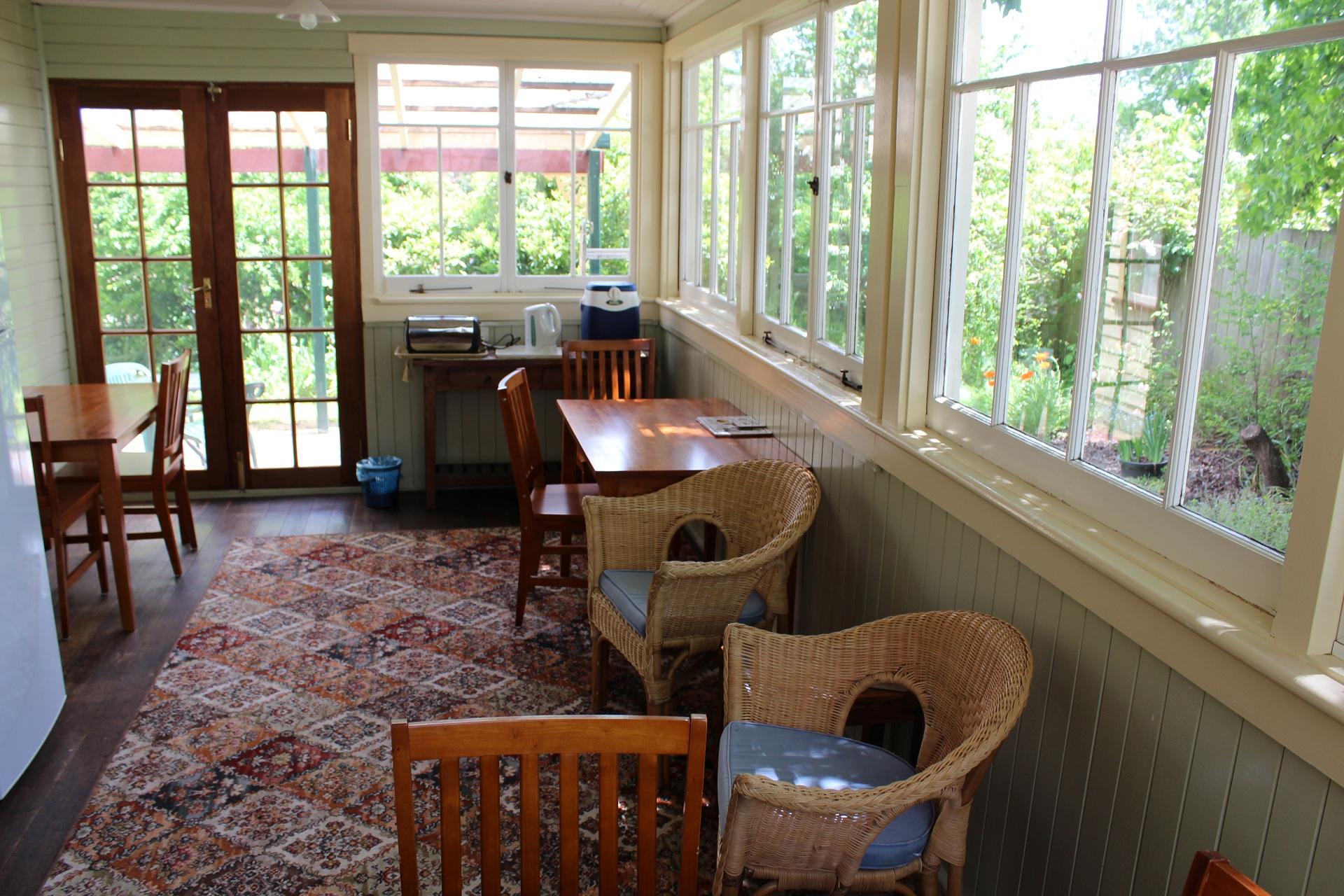 sunroom/breakfast room